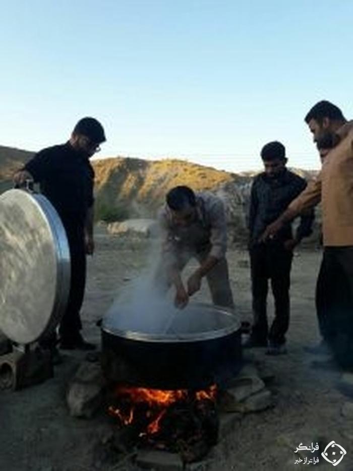 اطعام هزاران شیعه و سنی در «آفریقای ایران» که مردمش نمی دانستند انقلاب شده است! + تصاویر
