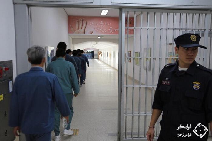 آن ها را به زور از زندان بیرون می کنیم!